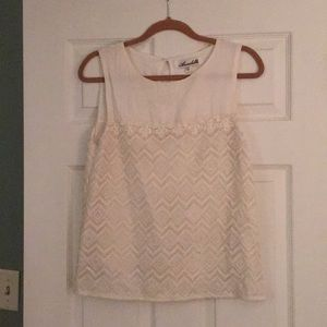 Woman's Tank Top Size Small